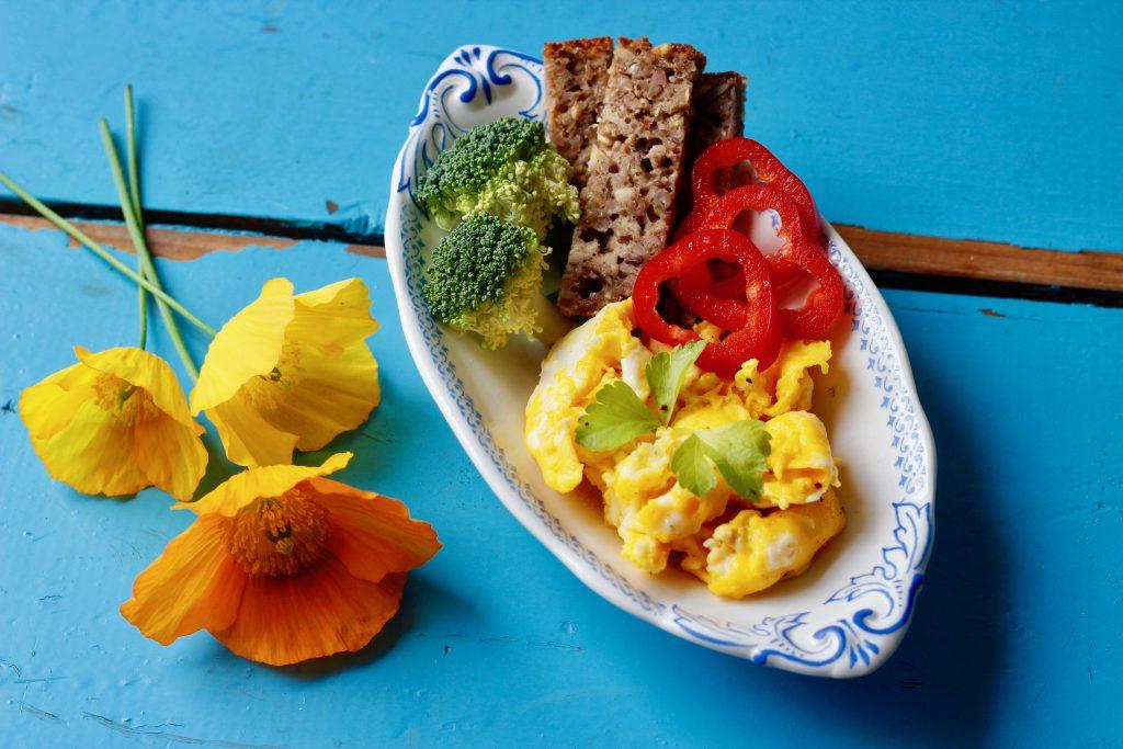 morgenæg, scrampled eggs, æg til morgenmad